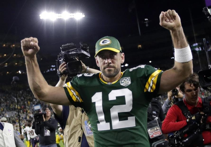 Aaron Rodgers is aiming to shine in week 6