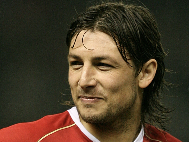 Gabriel Heinze won the Sir Matt Busby Player of the Year award in his first season at Manchester United.