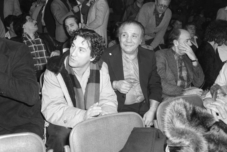 LAMOTTA (CENTRE) AND DE NIRO (LEFT) SPARRED TOGETHER FOR HUNDREDS OF ROUNDS