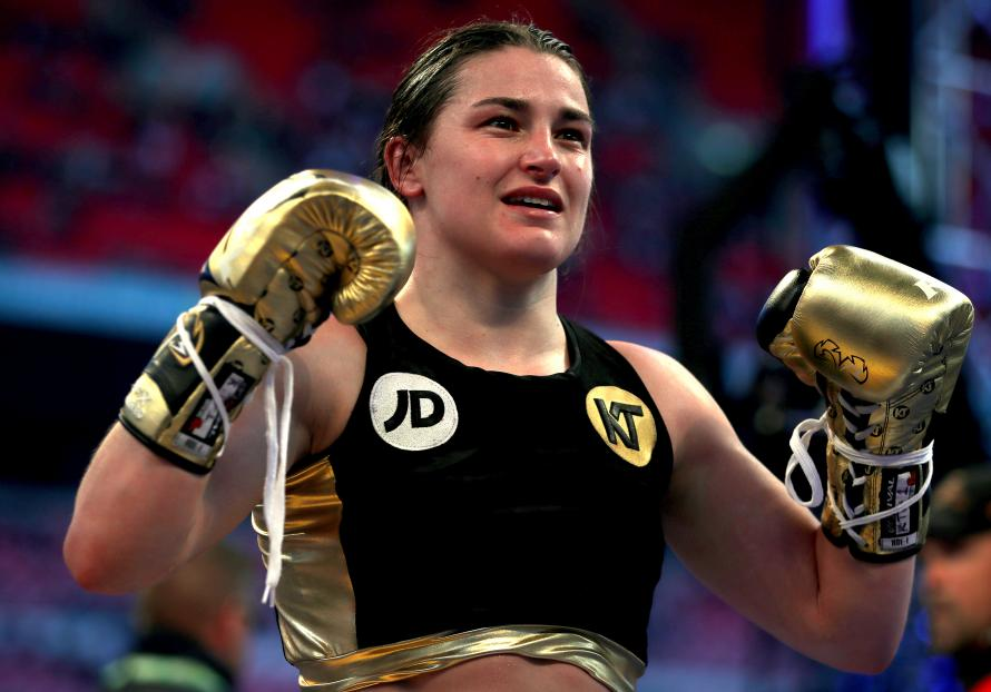 She's done it! Katie Taylor has been crowned a professional world champion