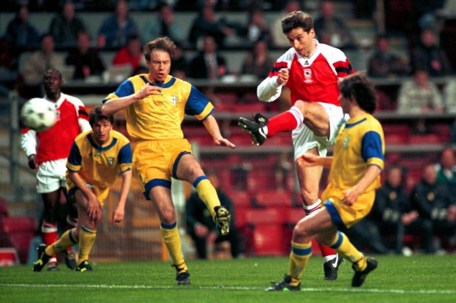 Alan Smith scores the winning goal against Parma in 1994
