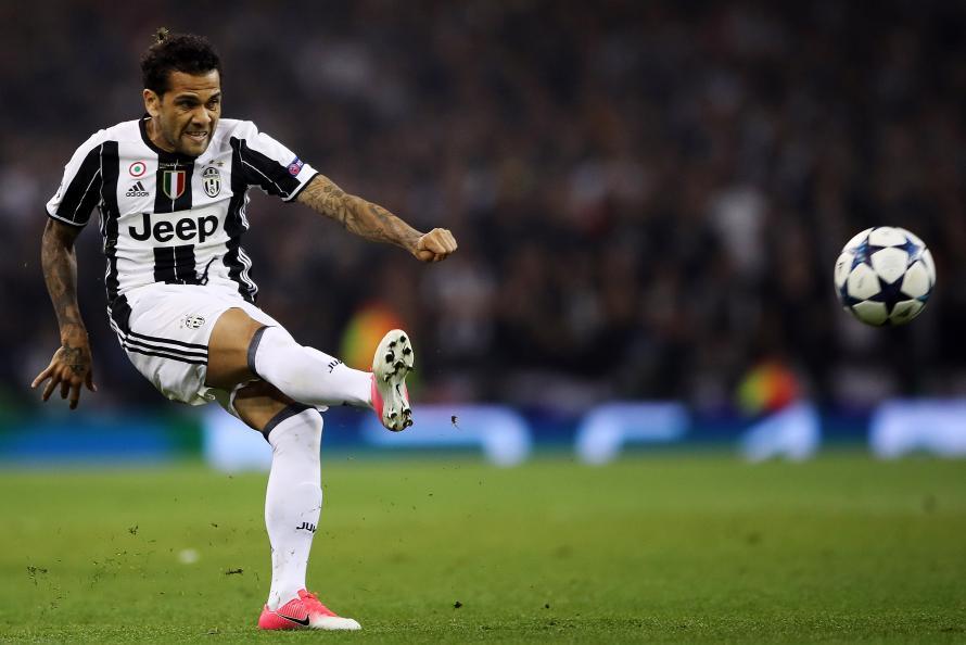 Dani Alves: I'd Return To Barcelona Tomorrow