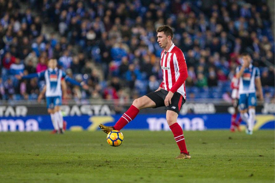 Athletic Bilbao says Laporte is leaving the Spanish club