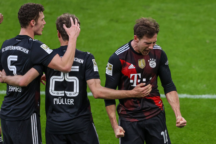 LEON GORETZKA ROARS WITH DELIGHT AFTER NETTING BAYERN'S WINNER