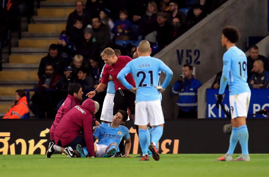 Should Man City captain Vincent Kompany have seen red against Leicester?
