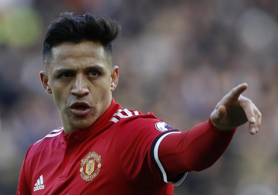 Alexis Sanchez responds to claims he eats alone at Manchester United