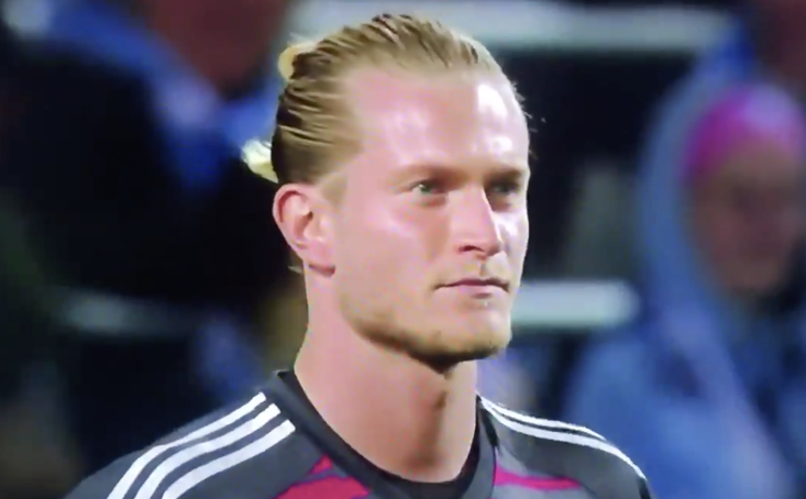 Loris Karius fails to deal with deflected cross as Malmo beat Besiktas