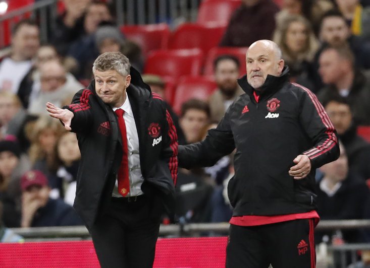 Manchester United fans are calling for Mike Phelan to be offered a new contract at the club after Ole Gunnar Solskjaer was appointed on Thursday