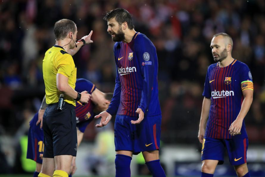 Gerard Pique sent off for attempting 'Hand of God' style goal