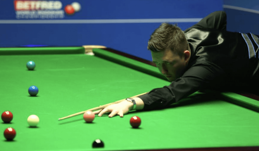 Judd Trump powers through to make Masters semis - John Higgins also through