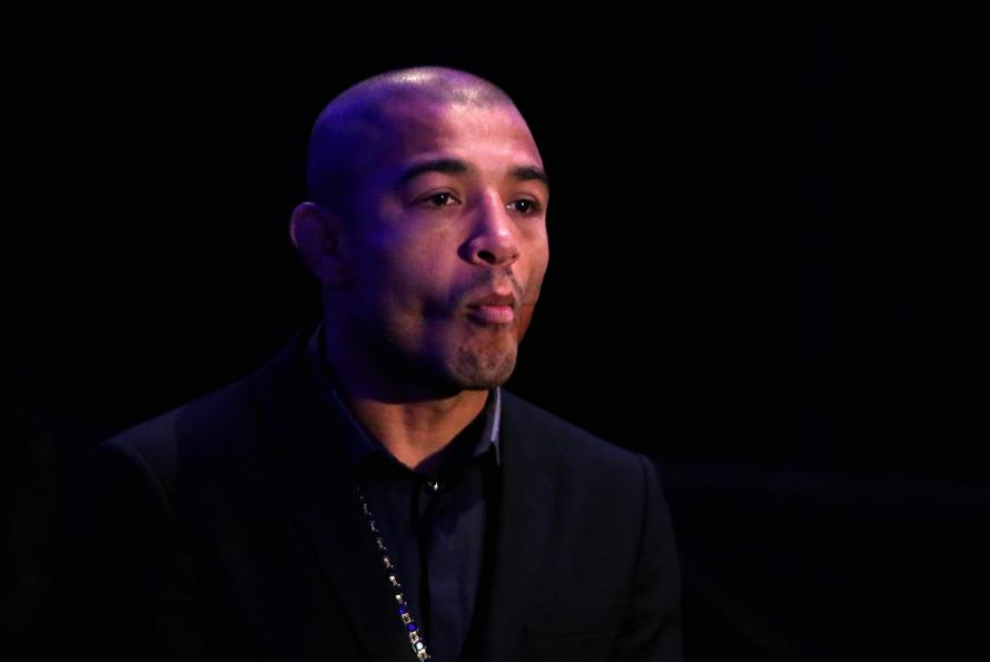 Round-by-round updates and winners from Holloway vs. Aldo 2